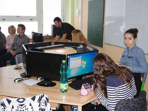 UČITELÉ ZE SASKA navštívili Základní školu Elišky Krásnohorské.