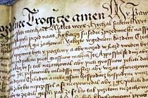 Listina týkající se jednoho z ústeckých cechů. Její sepsání měl na starosti písař, jelikož ne každý uměl v té době psát. A když, tak špatně.