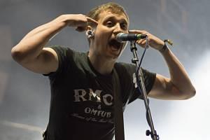 Jednou z hvězd festivalu bylo energické britské trio The Subways.