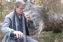 Jan Škrdlík (violoncello) vystoupí ve Velkém Březně.
