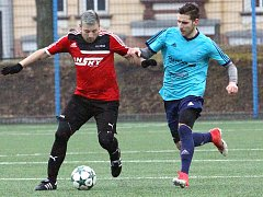 Fotbalisté Brné (v červenočerném) doma prohráli 0:1 s Jílovým.
