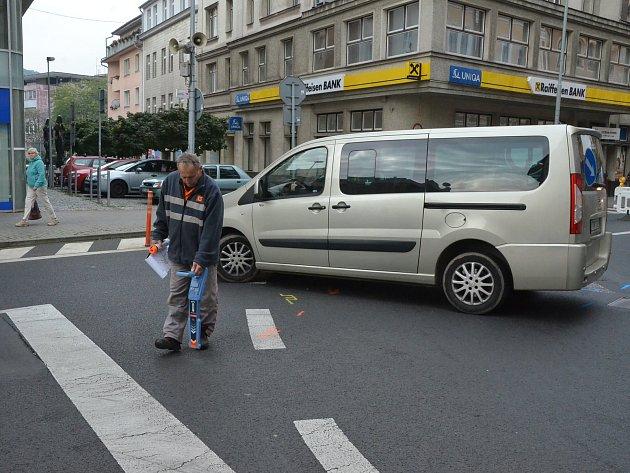 Velká rekonstrukce plynu a kanalizace ve čtvrtek 21. září dopoledne uzavřela na dva až tři týdny křižovatku Dlouhá - Pařížská.