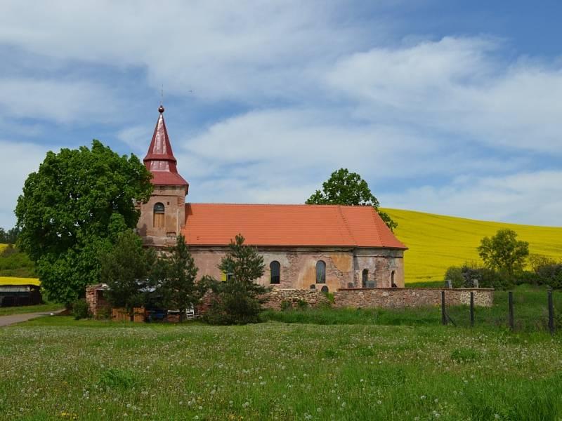 pohled na kostel sv. Jiljí v Libyni