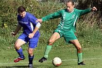 Fotbalisté Valtířova (zelení) porazili Sebuzín 3:1 a pomohli ho tak sesadit z čela tabulky.
