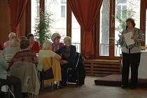 Nové prostory v restauraci domu kultury mají možnost pro svá setkávání využívat seniorské svazy a kluby.