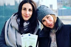 Gabriela Hauznerová (vlevo) a její kolegyně Bára Ryklová