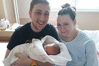 Adéla Šiklová, narozená 7.3. Rudolfovi a Petře Šiklovým, Měří 50cm a váží 3,30kg