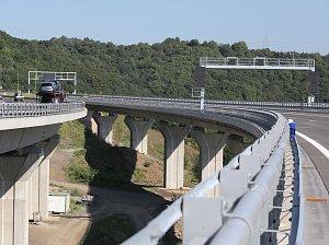Ministr Dan Ťok oznámil termín zprovoznění druhého mostu dálnice D8