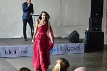 Veronika Mariášová postoupila do semifinále soutěže Dívka roku 2016.