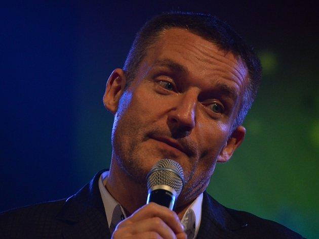 Bavič a moderátor Vladimír Hron.