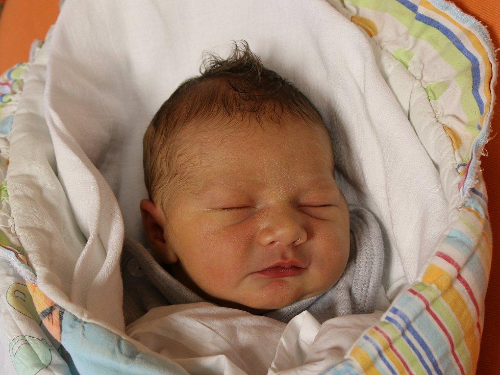 Vítek Vacek se narodil Miloslavě Vackové z Ústí nad Labem 20. října ve 12.53 hodin v Ústí nad Labem. Měřil 50 cm, vážil 3,45 kg