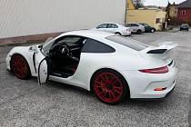 Úřad bude dražit zabavené Porsche 911 GT3