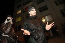 Miroslav Brož před ubytovnou v Krásném Březně.