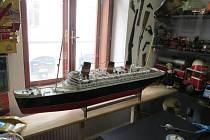 Jeden z nejvzácnějších exponátů muzea - model lodi Queen Mary.