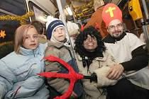 Mikulášský trolejbus se podruhé proháněl Ústím