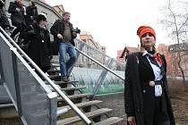 Cestovní agentura Corrupttour se vydává na místa spojená s korupcí.