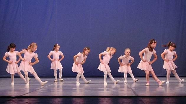 Taneční studio Scenic při loňském představení v Severočeském divadle v Ústí.