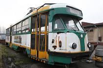 Poslední ústeckou tramvaj typu T2 dopravní podnik koupil v Liberci.