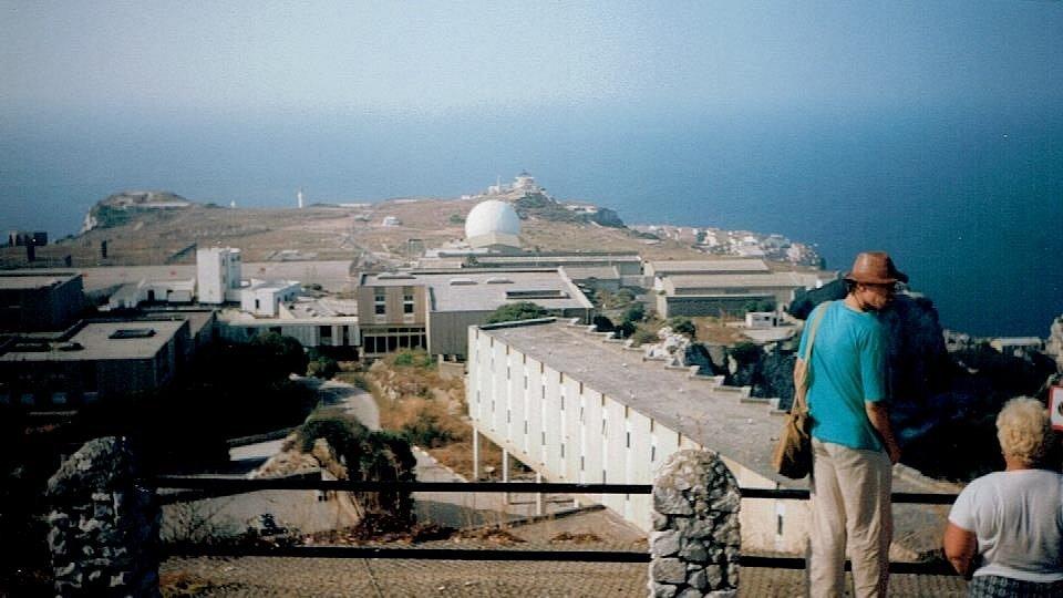 Gibraltar: Nedobytná skála a místo, kde žijí opice.