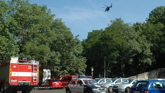 Pátrání po muži v okolí hradu Střekov. Na pomoc vyletěl i vrtulník.