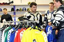 Po více než čtyřech měsících vyjeli ústečtí hokejisté znovu na led Zlatopramen Arény.