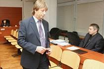 Trestní senát začíná projednávat kauzu údajného krácení daní.