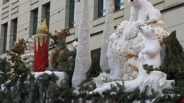 Vánoční trhy nabízejí spousty atrakcí.