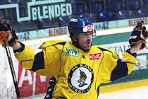 Ústečtí hokejisté (žlutí) doma porazili Medvědy z Berouna.