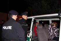 Policisté zkontrolovali tři desítky mladistvých. Tři chlapci ve věku sedmnáct, šestnáct a patnáct let nadýchali alkohol.
