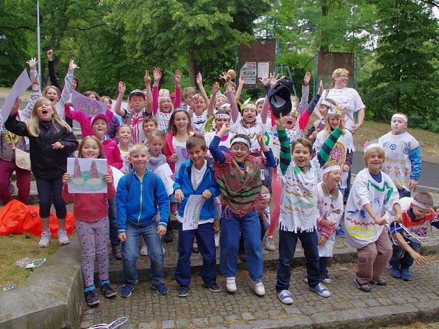 V ústeckém Letním kině děti ve středu slavily konec školy a začátek letního volna.
