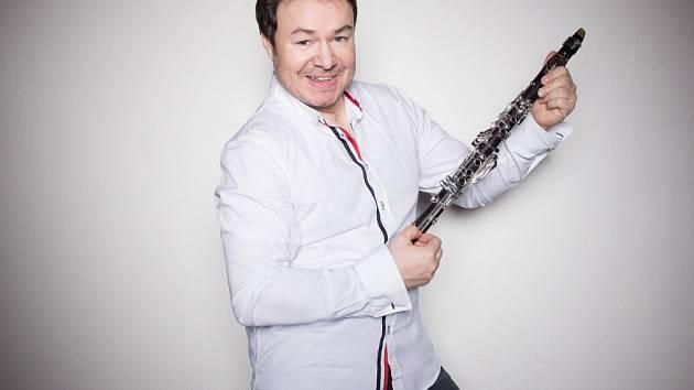 MILAN ŘEŘICHA, sólista na klarinet, pedagog i prezident soutěže.