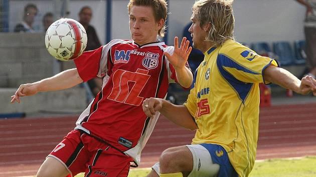 Pavlo Rudnytskyy (vlevo) ještě v ústeckém dresu, ve kterém si v přípravě zahrál i proti Varnsdorfu.