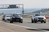 Řidiči na dálnici D8 musí počítat s dopravními komplikacemi v úseku u prackovické estakády. Silničáři tam zahájili údržbu. Archivní foto