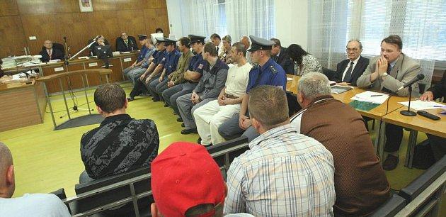 Obžalovaní čekají na rozsudek krajského soudu.