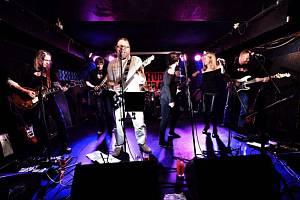 Rocková Hudba Praha Band: Ostrý rokenrol a Špinavý záda v Ústí