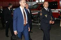 Ministr vnitra Lubomír Metnar navštívil v rámci výjezdu vlády do Ústeckého kraje Hasičský záchranný sbor Ústeckého kraje.