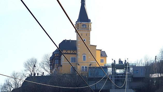 Závada na systému tažného lana je příčinou zastavení provozu lanové dráhy na Větruši.