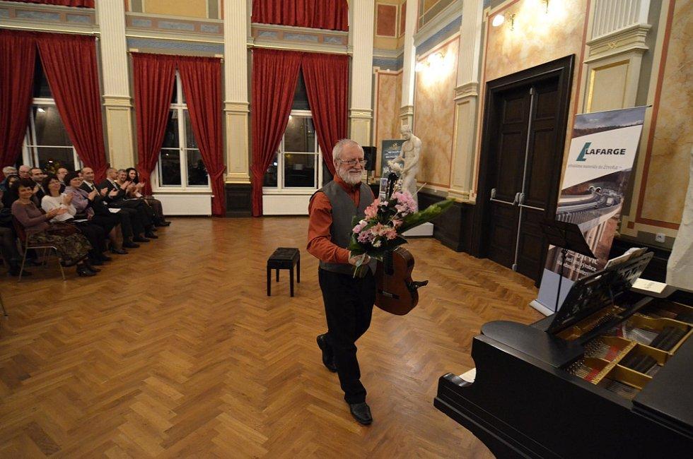 Štěpán Rak hrál v plném Císařském sále Muzea města Ústí.