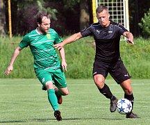 Fotbalisté Brné (v černém) porazili doma Žatec 3:2 po penaltách.