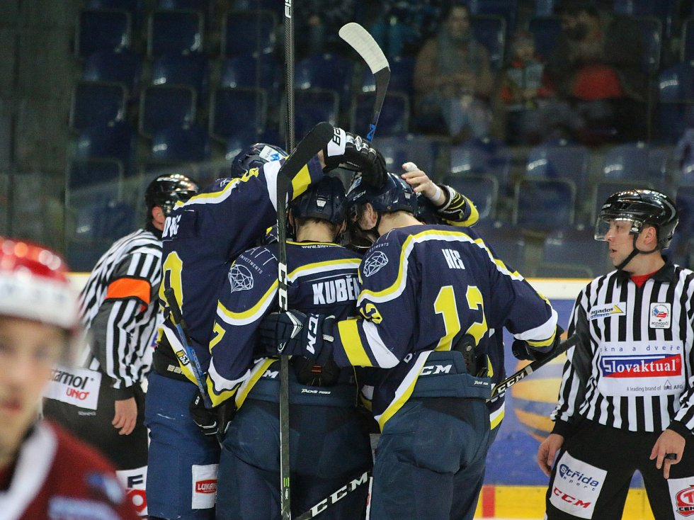 Fotoreport ze zápasu HC Slovan ÚnL vs. HC Frýdek-Místek 25.11. ´17, hokejisté Ústí