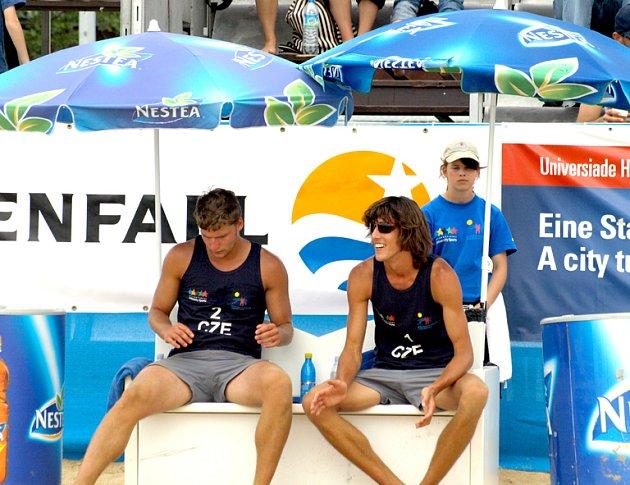 Beachvolejbalisté Milan Moník a Filip Habr