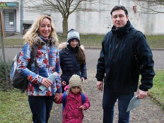 Jako jedni zposledních volili vÚstí – Všebořicích prezidenta ČR manželé Magdalena a Roman Šťastní.