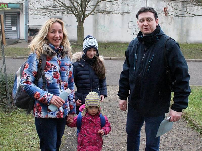 Jako jedni z posledních volili v Ústí – Všebořicích prezidenta ČR manželé Magdalena a Roman Šťastní.