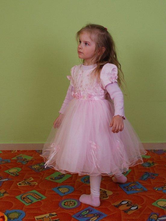 17. ANIČKA KUŽELKOVÁ, 5 let, Chlumec.