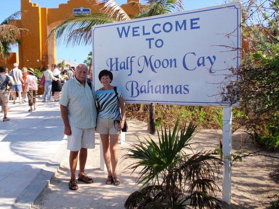 Snímek z jednoho z Bahamských ostrovů přišel od Vladimíra Černohouse z Jablonce nad Nisou, který dostal k sedmdesátinám okružní plavbu zaoceánskou lodí po Karibiku.