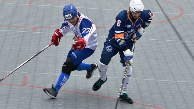 Hokejbalisté Ústí nevyužili v 15. kole extraligy výhodu domácího prostředí a s Mostem prohráli 3:4 v prodloužení.