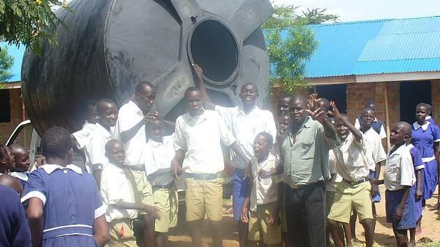 Lidem z Keni pomohly děti z Litoměřicka.