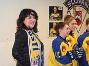 Utkání hokejových hvězd mělo skvělou atmosféru. Užila si i primátorka Věra Nechybová.