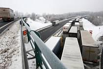 Ucpaná dálnice D8 na Ústecku, 15. února 2021