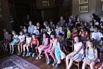 Českolipské divadélko Agnez pobavilo děti na zámku ve Březně